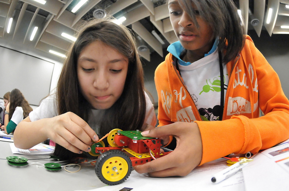 Girls in Engineering Image: George Joch / Argonne National Laboratory via Flickr