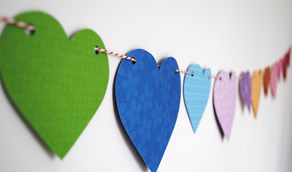 Cheap n' Easy Valentine's Day Décor for Teachers