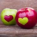 apple-heart-valentines-food